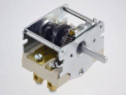 prekidac-32a-3-0-za-industrijski-stednjak-43-24232-000-ego_108041_0.jpg